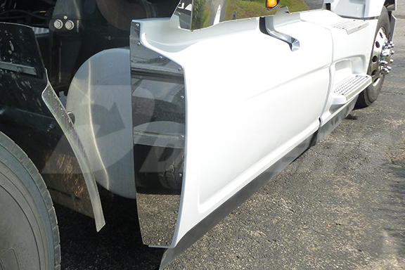 Rear Fairing Trim – LT625 image