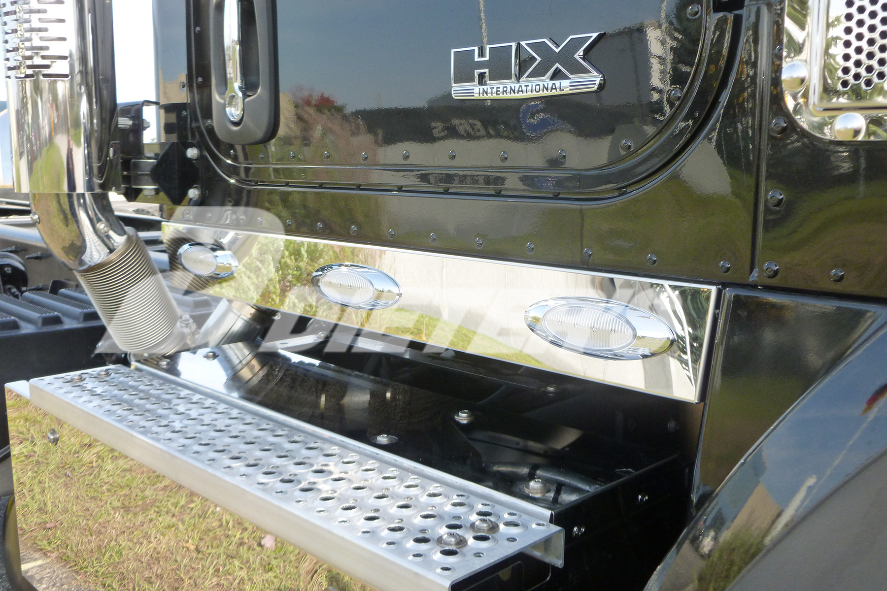 Cab Skirts – HX620 with Dual Exhaust image