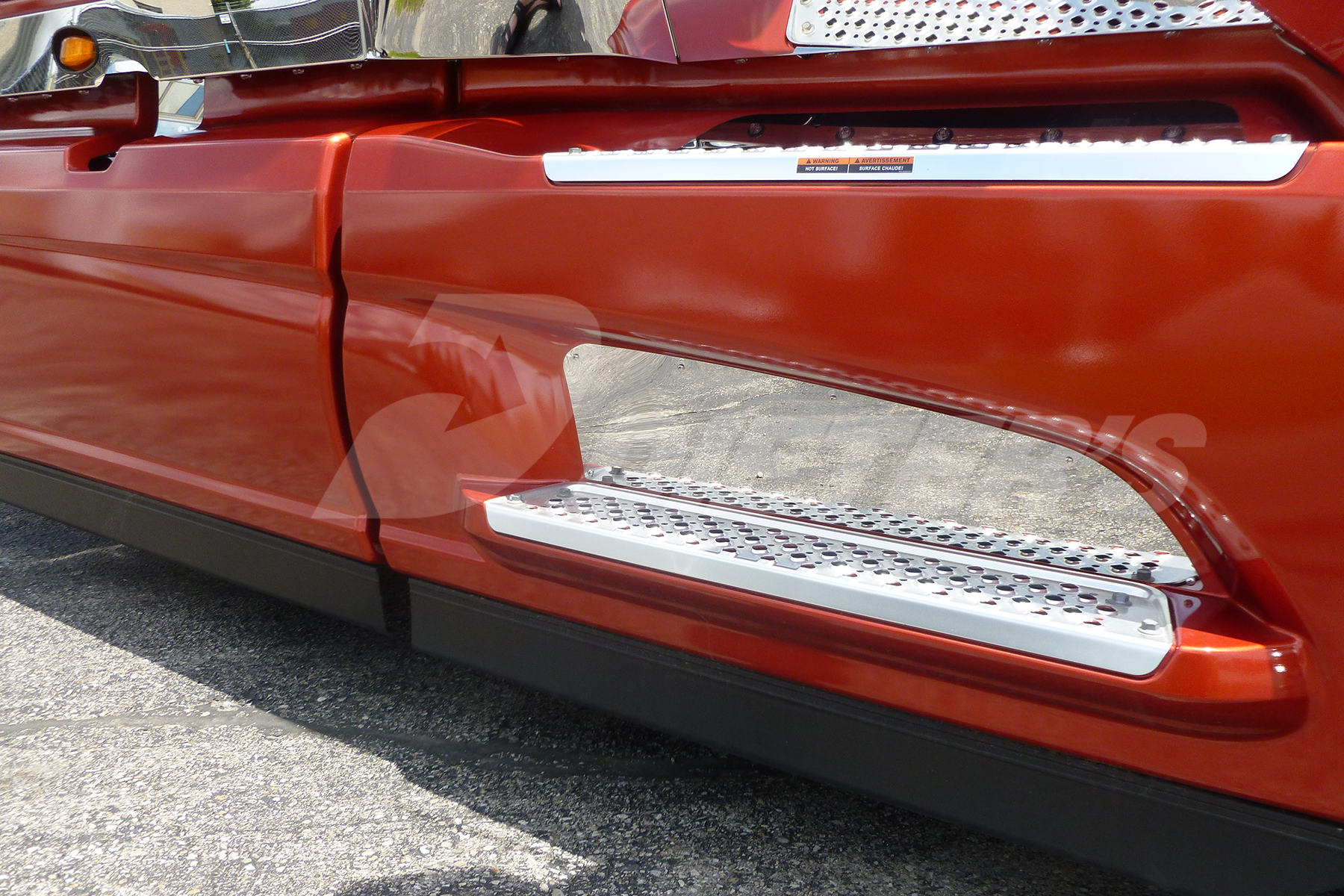 Lower Step Kick Plate – LT image