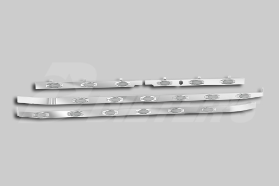 579 123″ BBC with Underbody Exhaust Cab/Sleeper/Extender Kit image
